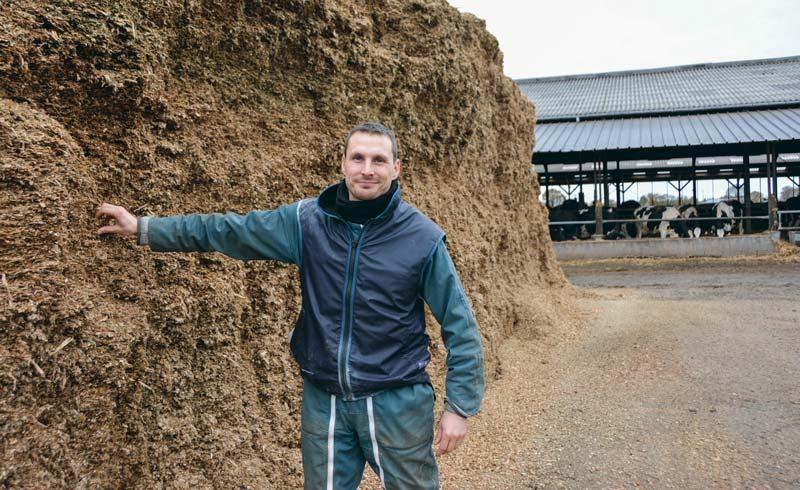 Sébastien Turban a présenté l'exploitation qui nourrit son troupeau avec un ensilage classique, du maïs épi et utilisera cette année un ensilage brins longs (procédé Shredlage).