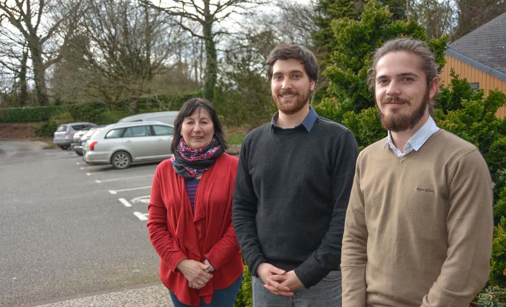 De gauche à droite: Anne Prigent, de BCEL Ouest, Samuel Danilo, de l'Institut de l'Élevage, et Ronan Lasbleiz, du Cniel.