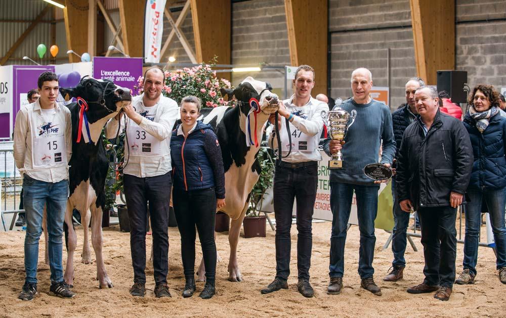 Autour de Cap J Iroise, nommée Réserve, dans les mains de Pierre-Yves et de Cap J Ida, Grande championne de Morlaix 2018, présentée par Baptiste, les membres de la famille Cabon étaient très heureux et fiers.