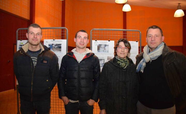 Parmi les sociétaires venus à l'AG, figuraient les dirigeants de deux des exploitations présentées lors de la rencontre: Nicolas Martin, producteur de cidre à Plouay, et Erwan, Sandrine et Jean-Pierre Le Beller, éleveurs de volailles et de lapins à Bubry.
