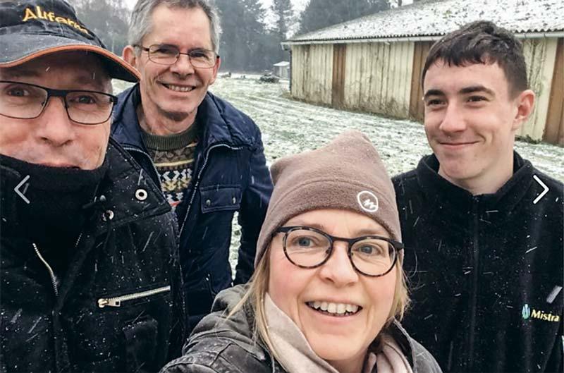 Sur leur compte Facebook, Dominique Gautier et les autres membres de la ferme postent régulièrement des photos. Et ce n'est pas la neige et le froid qui les arrêtent.