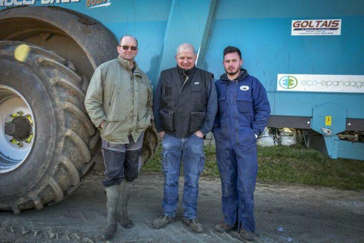 Jacques Dolo, aviculteur à Caro (56) ; Patrick Éono, entrepreneur de travaux agricoles à Campénéac (56) et Valentin Chefdor, chauffeur de l'ETA.