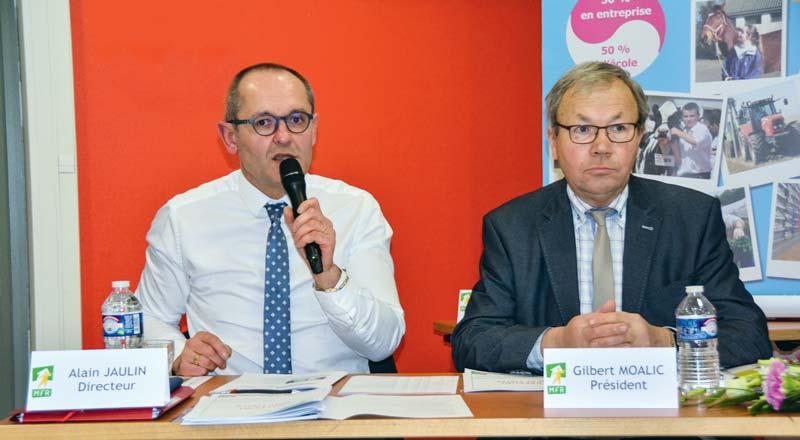 De gauche à droite: Alain Jaulin, directeur des MFR du département et Gilbert Moalic, président.