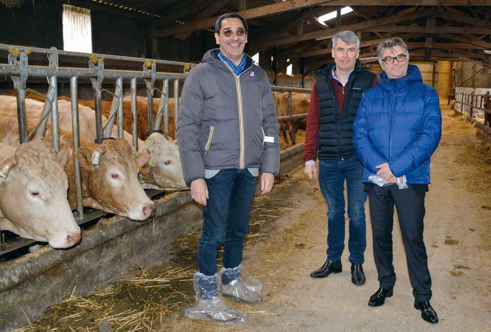 De gauche à droite: Serge Papin, Olivier Allain et Thierry Desouches, responsable des relations extérieures Système U.