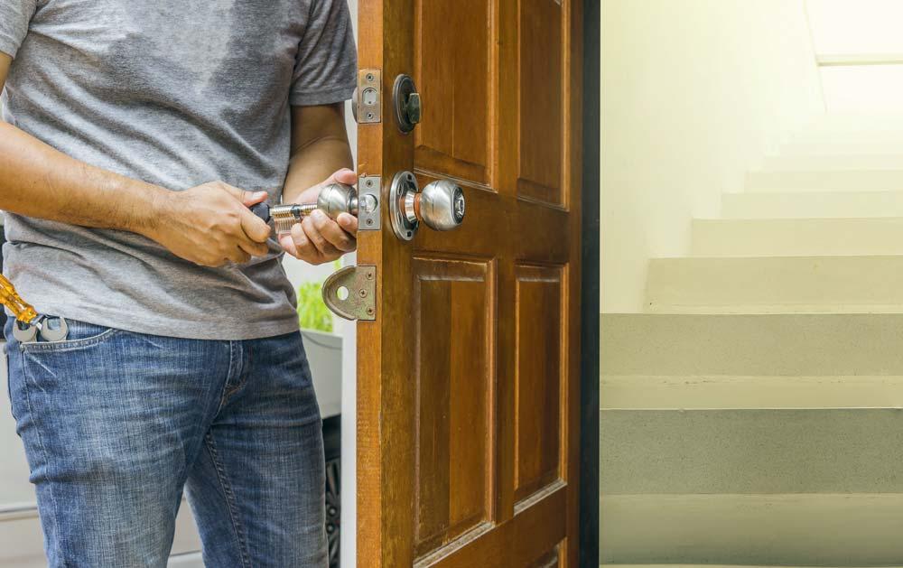 serrure fractur e attention aux faux num ros d 39 urgence journal paysan breton. Black Bedroom Furniture Sets. Home Design Ideas