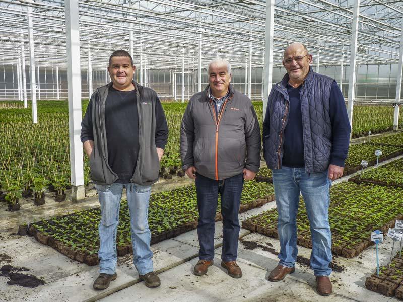 (de gauche à droite) Éric Guillou, chef de culture, Thierry Loas, technicien légumes Triskalia et Michel Thomas, chef d'exploitation.