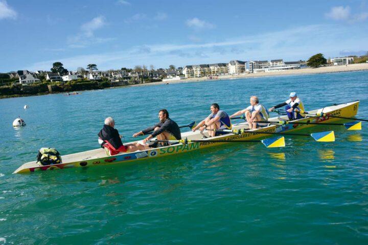 L'équipage est exclusivement composé d'agriculteurs qui s'adonnent à ce sport complet depuis plusieurs années.
