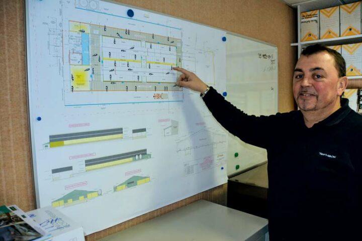 «Le dossier est monté de l'avant-projet jusqu'à la réalisation du dossier  de permis de construire», explique Philippe Clech, technicien concepteur en bâtiment bovin chez Triskalia.