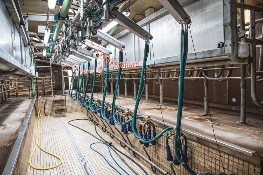 Une largeur de quai minimum de 2,5 m est nécessaire pour installer une stalle TPA en lieu et place d'un ancien épi 30 degrés en conservant le couloir de retour.
