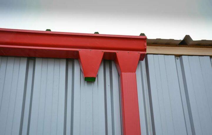 La pose d'avaloirs accélère l'évacuation de l'eau.