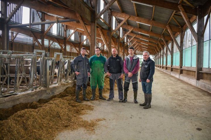 De gauche à droite: Adrien Monxifrot, Thomas Loret, Benoît Roger, Patrick Garçon et Jean Monxifrot: les cinq associés dans la partie en «toit d'usine» du nouveau bâtiment.