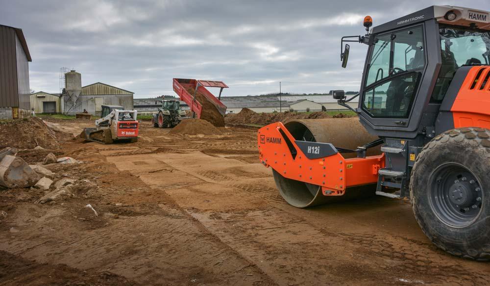 Le sol doit être compacté au cylindre, «par couche de remblai de 40 cm», conseille Jacky Lucas.