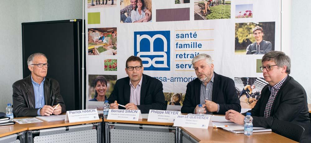 Patrick Hamon et Bernard Simon, élus au Conseil d'administration de la MSA d'Armorique et Philippe Meyer et Jean Le Quéméner, respectivement directeur général et directeur adjoint de la structure.
