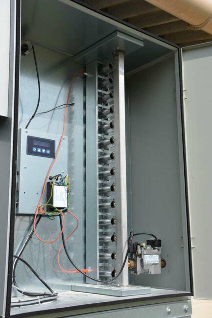 La combustion se fait à l'extérieur du bâtiment au travers de 14 tubes d'échange de diamètre 40 mm et de 4,40 m de longueur.