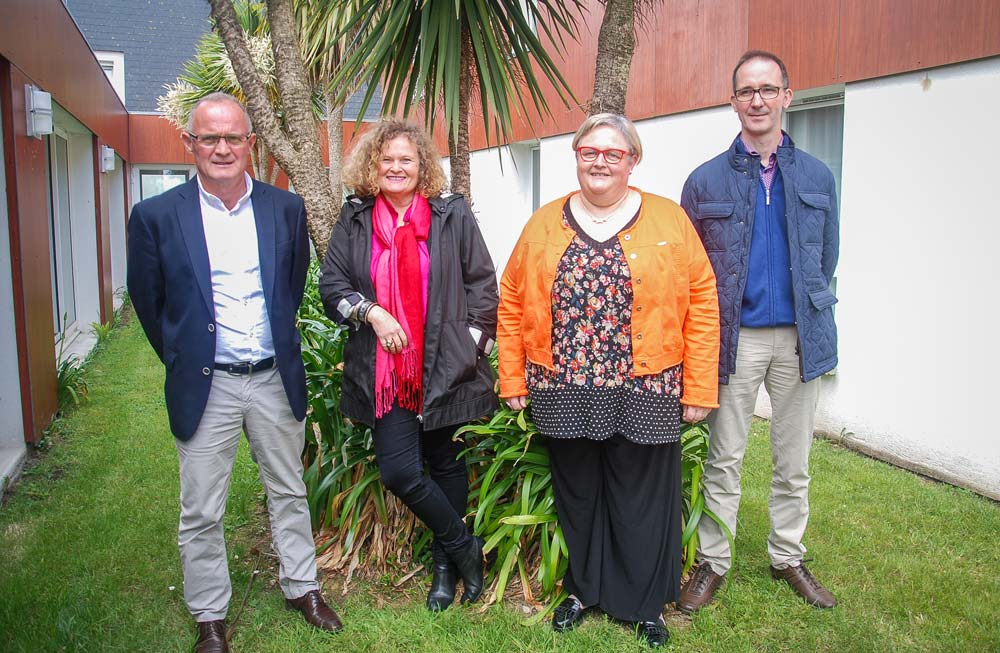 Sylvie Brunel, économiste (au centre) était invitée à l'assemblée générale. À ses côtés: François Pot, président; Rachel Richard, directrice; Rémi Berthevas, responsable technique.