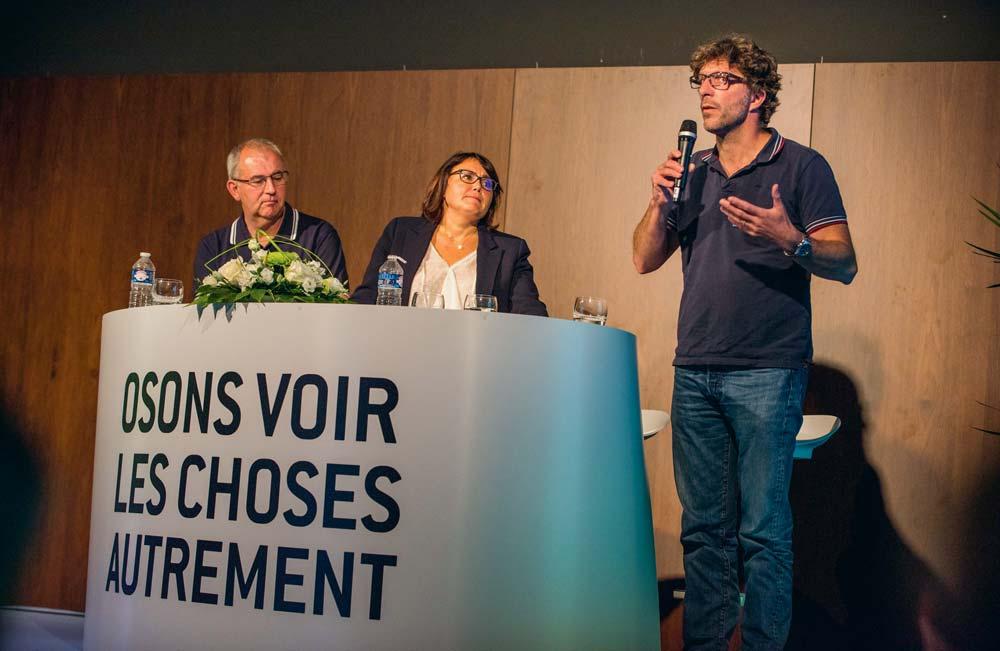 Philippe Salabert, installé à Trémeur, et Céline Michel, spécialiste de la communication à BCEL Ouest, ont invité le dynamique éleveur – youtubeur Antoine Thibault à témoigner sur son expérience sur les réseaux sociaux.
