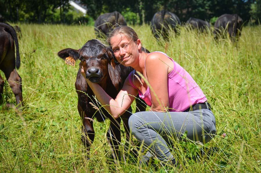 Caroline Wilvers entretient beaucoup de proximité avec ses animaux.