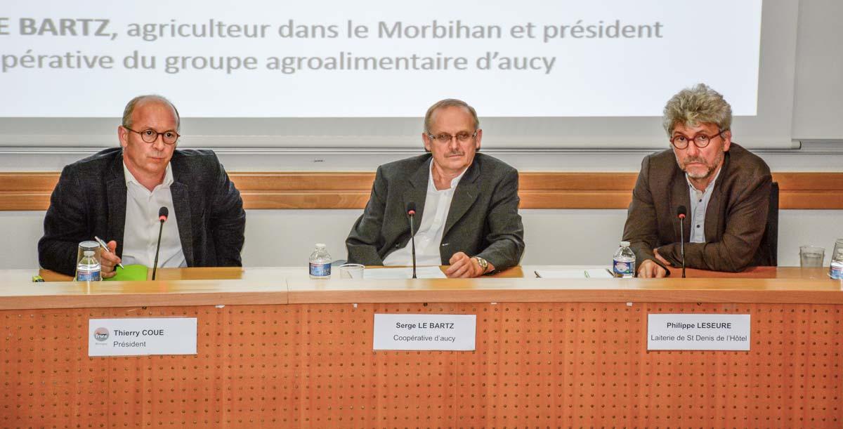 Thierry Coué, président de la FRSEA Bretagne ; Serge Le Bartz, président de D'aucy ; Philippe Leseure, directeur filières de LSDH.