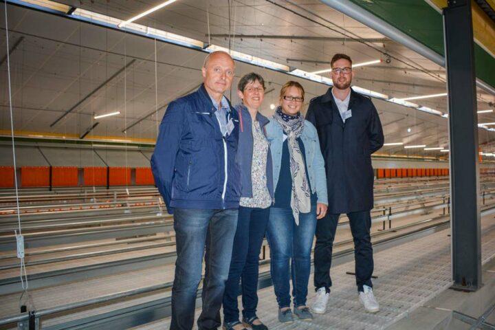 Denis, Christine, Marion et Nicolas Hingant éleveurs de pondeuses à Hénansal (22).