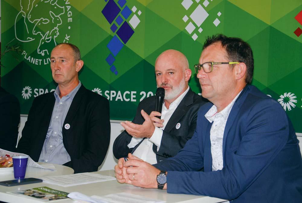 De gauche à droite : Michel Bloc'h, UGPVB ; Philippe Bizien, CRP ; François Valy, FRSEA.