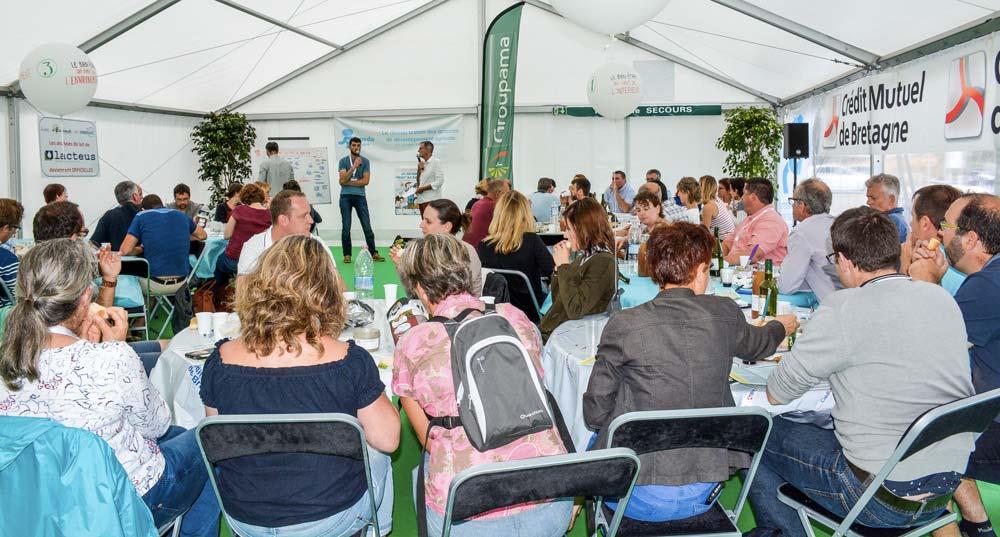 Chaque année au Space, le réseau des groupes de développement bretons organise des débats, le temps d'un casse-croûte le midi.