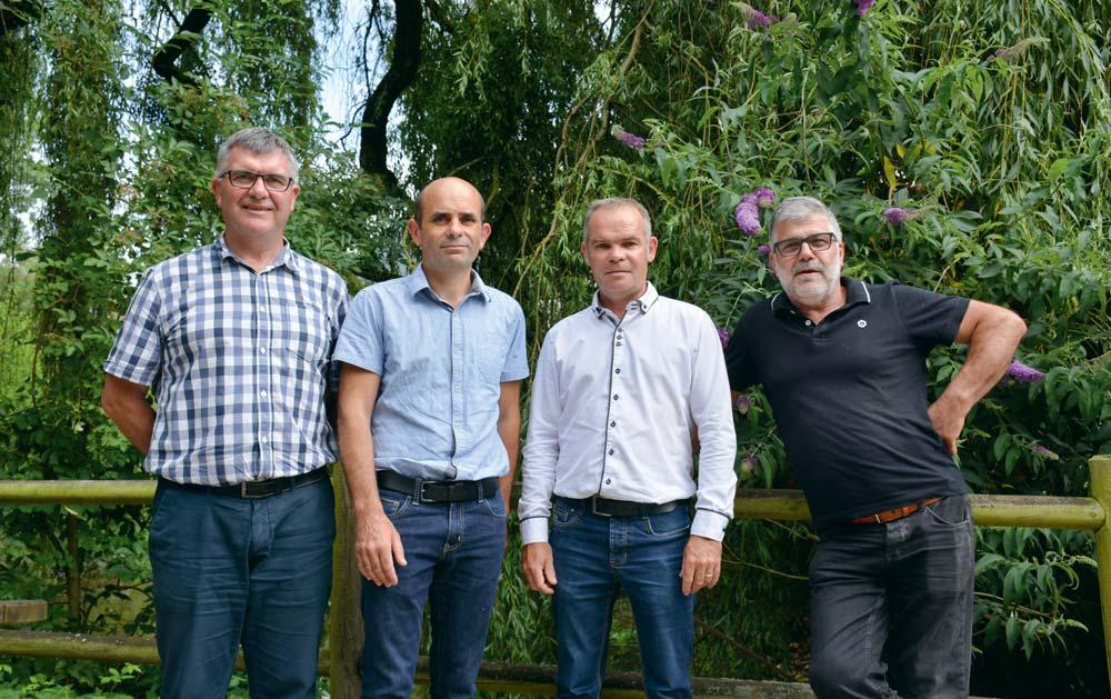 Éric Guillermic, responsable qualité Elvilap ; Frédéric Blot, président Elvilap ; Gaël Le Houedec, responsable du groupement ; Alain Guillotel, vice-président Elvilap