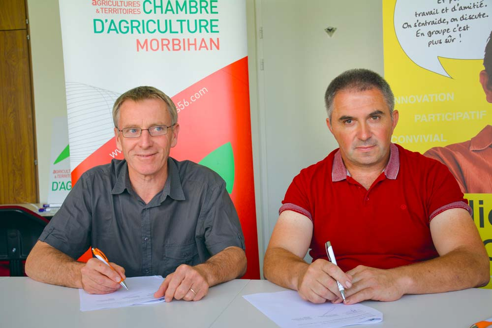 Laurent Kerlir et Jean-Michel Roger, lors de la signature de la convention de partenariat.
