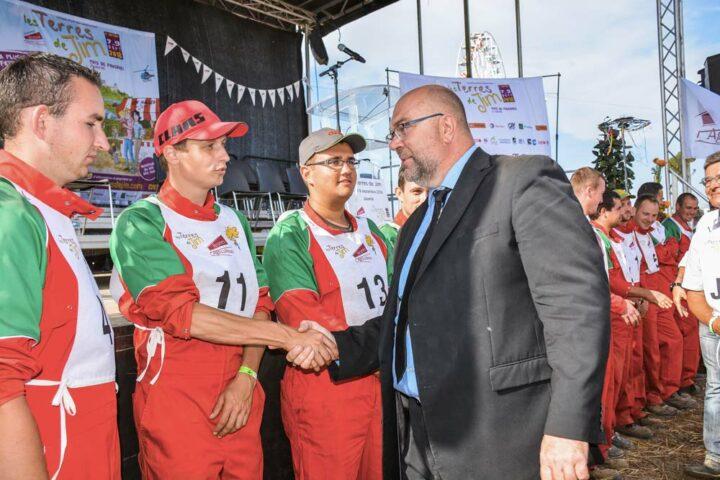 Le ministre de l'Agriculture et de l'Alimentation Stéphane Travert a salué l'ensemble des participants au concours national de labour.