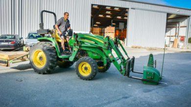 Photo of Un tracteur John Deere 4320 petit mais costaud