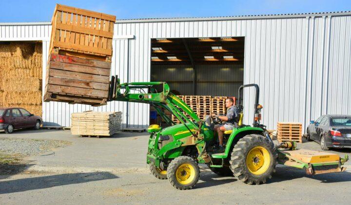 Ce tracteur de 60 ch sert tous les jours. En 4 ans, il a déjà effectué 2 000 heures.