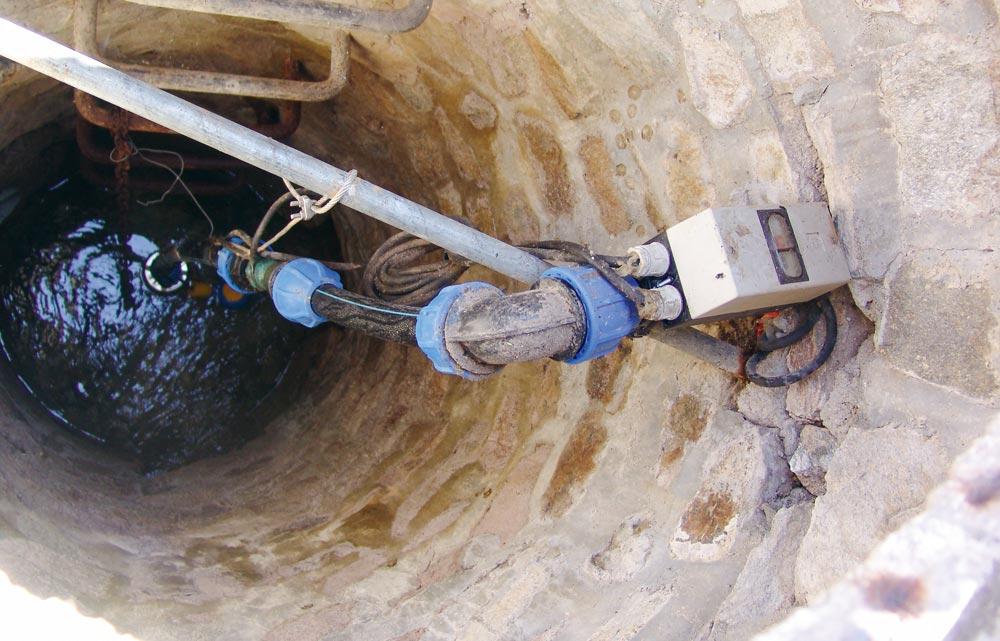 L'implantation d'un forage répond à des règles strictes qui visent à protéger les nappes souterraines, l'environnement et le forage en lui-même.
