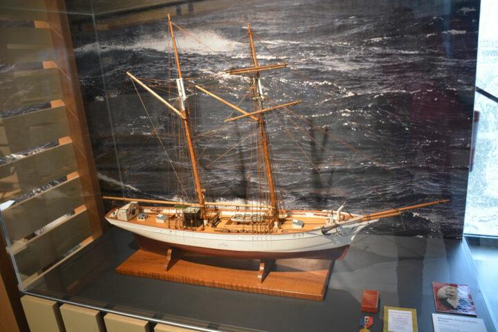 Maquette de la goélette Aurore de type paimpolaise. Cette goélette de 25 m de long fut construite à Paimpol pour la pêche en Islande.