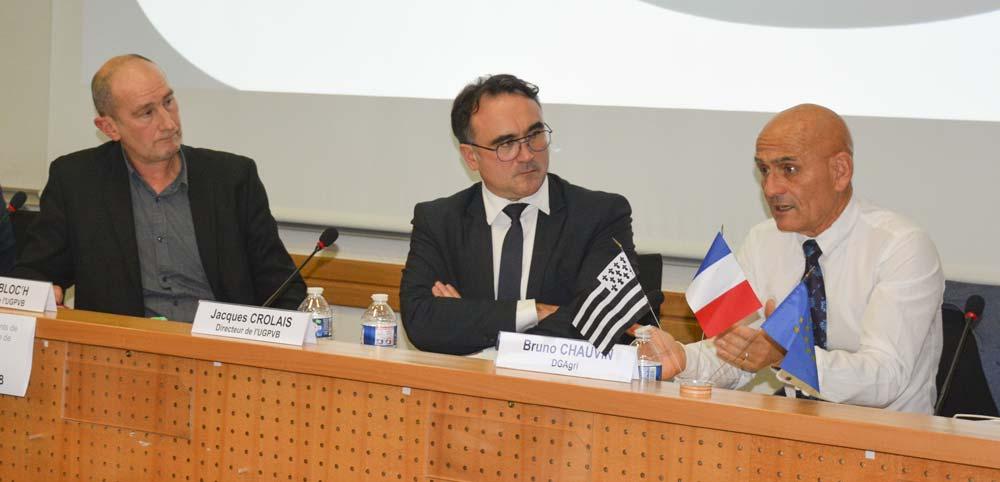De gauche à droite : Michel Bloc'h, président de l'UGPVB, Jacques Crolais, directeur, et Bruno Chauvin, chef d'unité à la DG Agri de la Commission européenne.