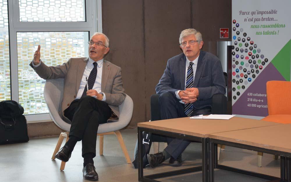 Bertrand Hervieu, président de l'Académie d'Agriculture de France et ancien président de l'Inra (à gauche), et Marcel Denieul, président de la Chambre d'agriculture d'Ille-et-Vilaine.