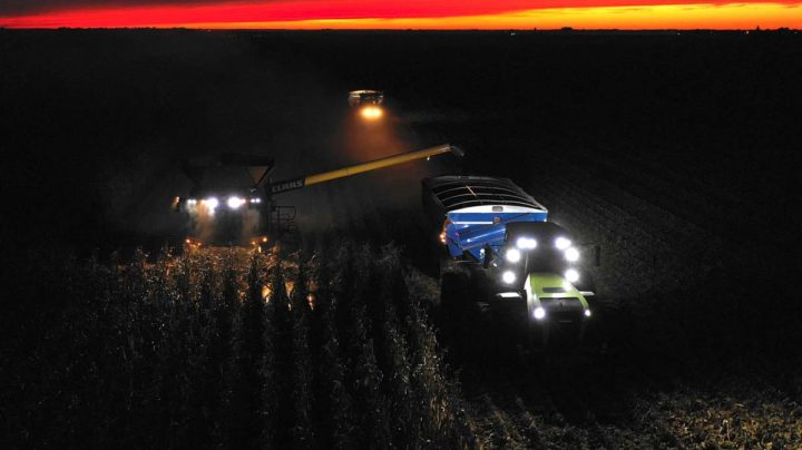 lexion-claas-record-nuit