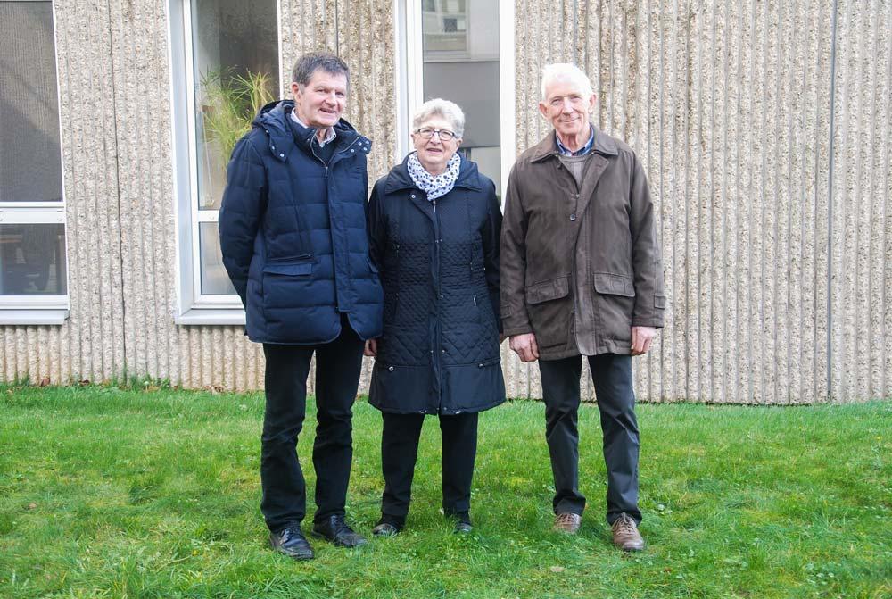 Les candidats FDSEA du collège « anciens exploitants » aux élections Chambre d'agriculture : (à droite) Jean-Quéré, Saint-Nicolas-du- Pélem (titulaire) ; suppléants : Irène Gesny, Sévignac, et Jean-Jacques René, Plélo.