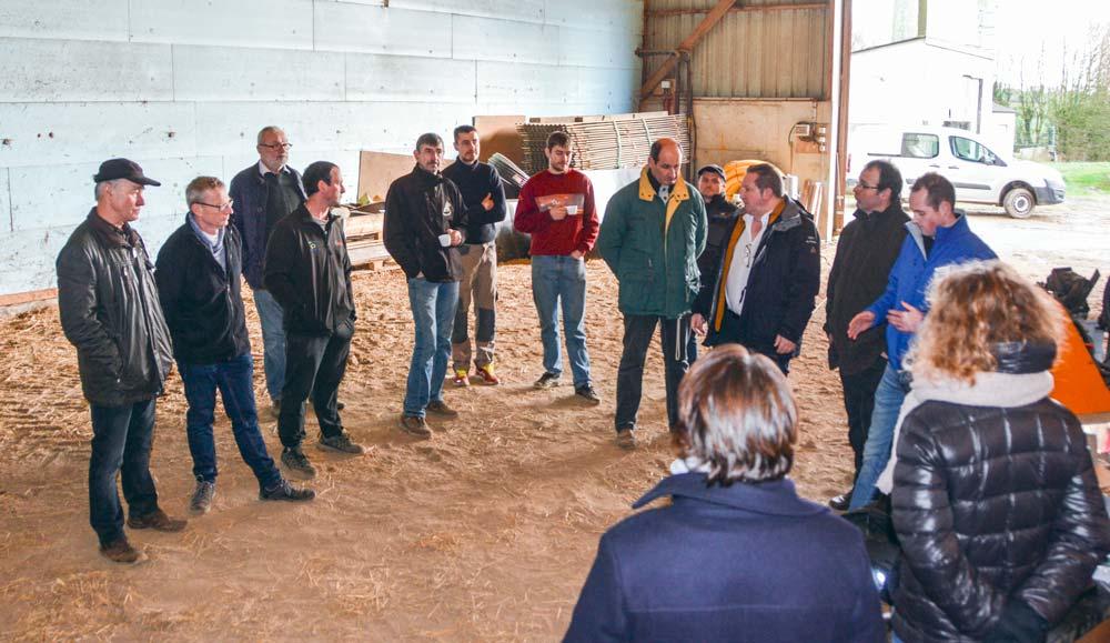 « On a de quoi peser, la Bretagne et les Pays de Loire représentent 60 % de la collecte », rappelle Thierry Merret, lors d'une réunion publique à Bodilis.