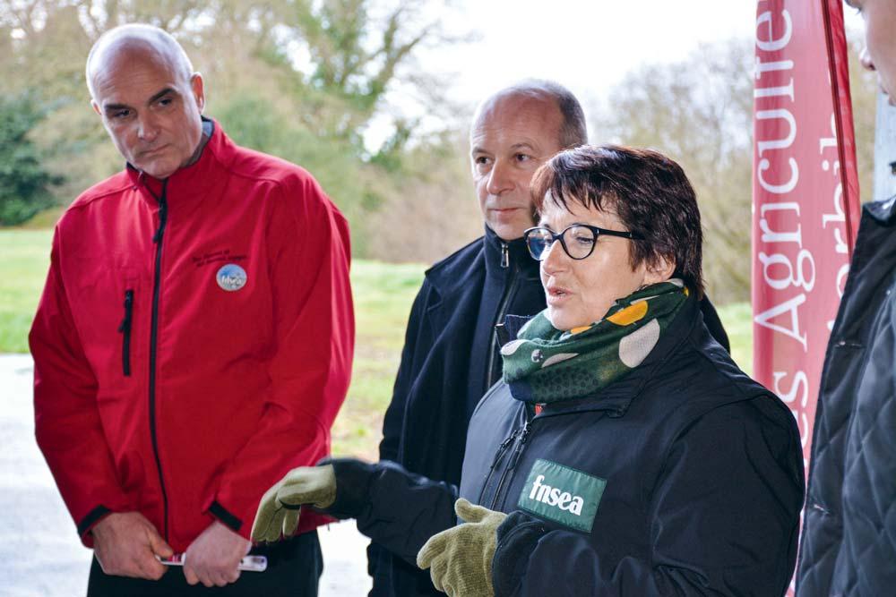 La présidente de la FNSEA était en visite la semaine dernière dans le Morbihan, où elle a rencontré les membres de la liste et des adhérents. Ici avec Frank Guéhénnec, tête de liste, et Thierry Coué.
