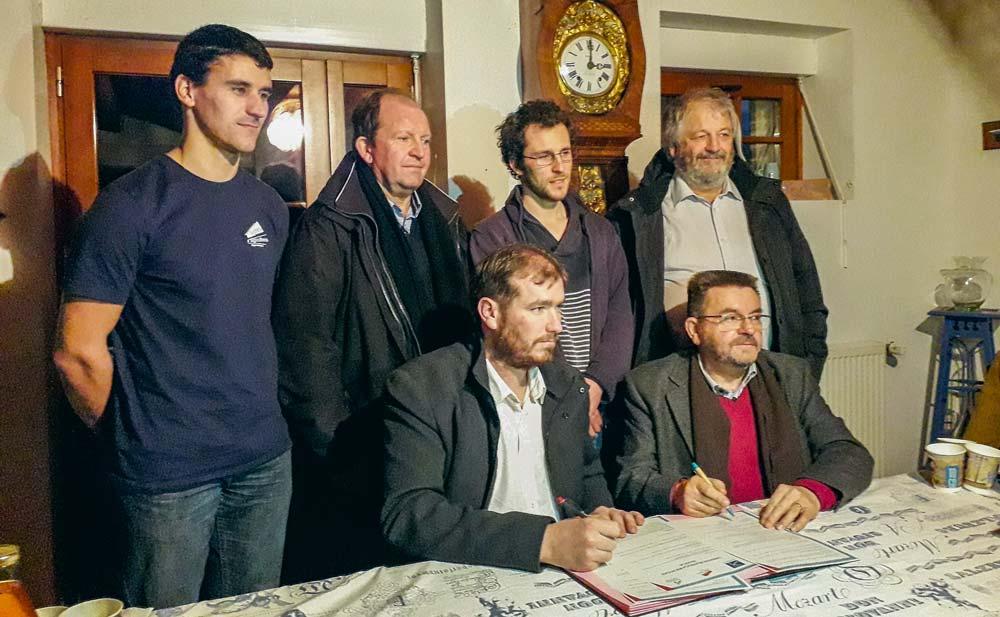La signature de la première convention s'est tenue le mercredi 12 décembre, au Minihic-sur-Rance.