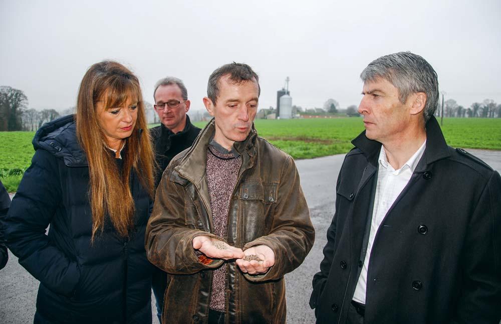 De gauche à droite : Christine Larsonneur, directrice de l'association « Blé noir tradition Bretagne » ; Franck Adenys, président ; Michel le Friant, Triskalia ; Olivier Allain, vice-président Région Bretagne.
