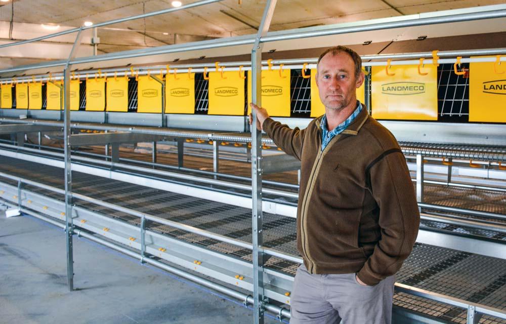 Frédéric Kerhervé, aviculteur à Moëlan-sur-Mer (29) recevra ses pondeuses biologiques dans son ancien bâtiment dinde en ce début d'année.