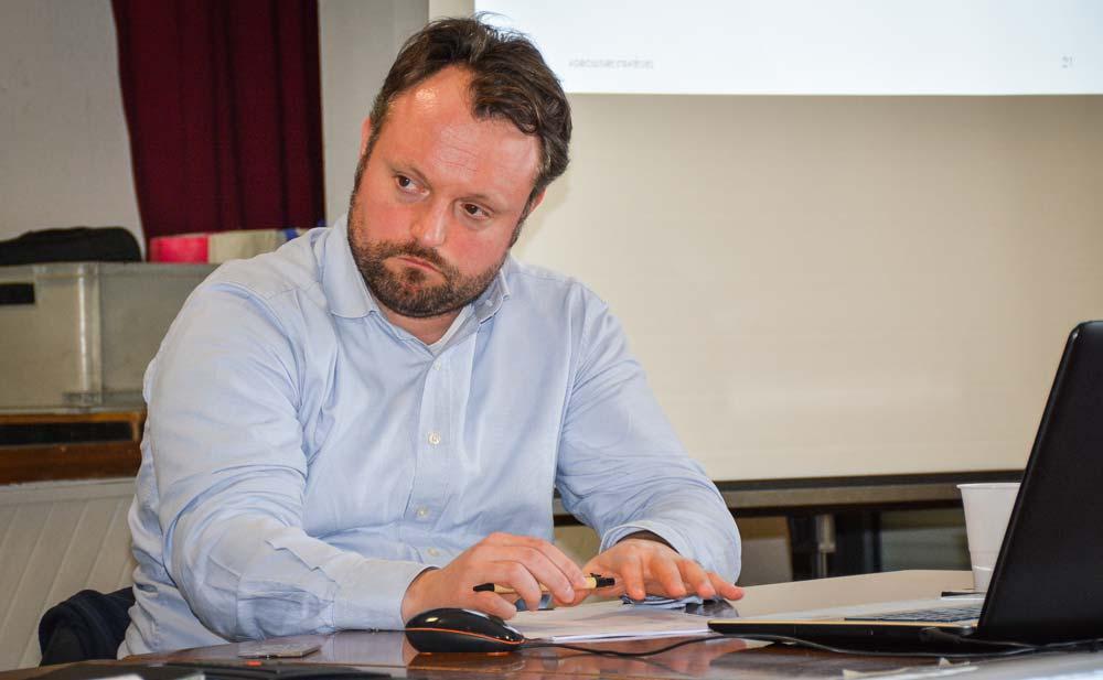 Frédéric Courleux d'Agriculture stratégies, à l'assemblée générale de France Milkboard Grand Ouest, le 13 février à Gosné.