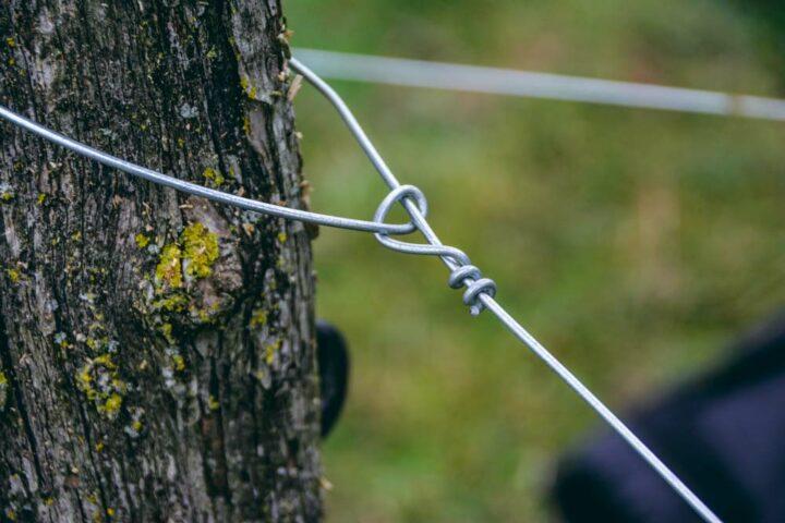 Le nœud réalisé n'a pas de côtés coupants, responsables de blessures pour les animaux.