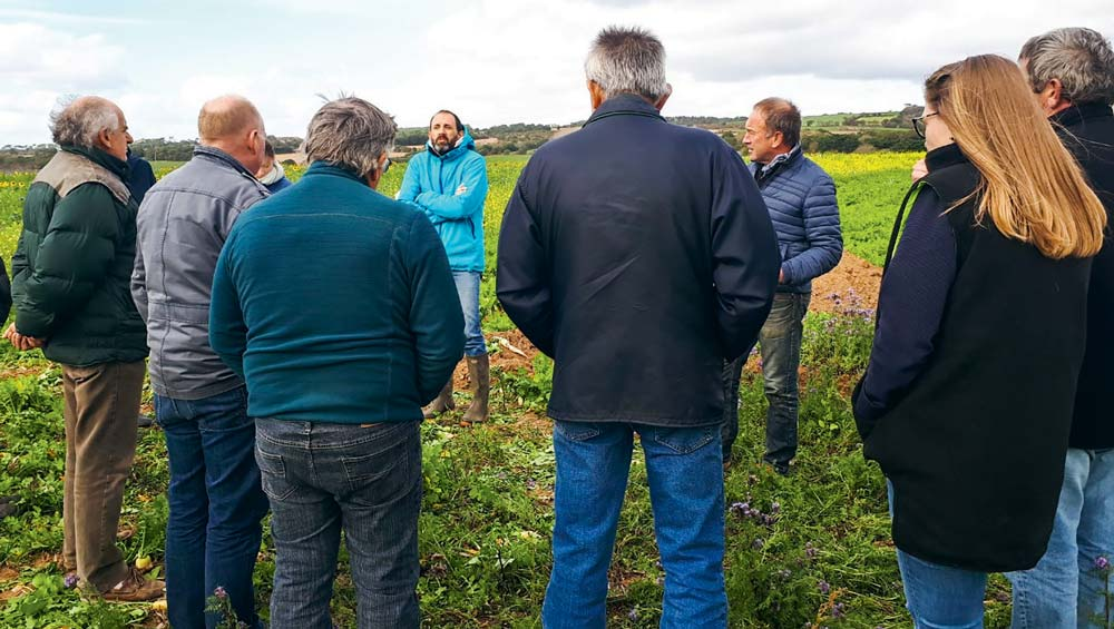 Visite d'une plate-forme d'essais à Saint-Nic (29) dans le cadre des actions collectives de la Baie de Douarnenez.