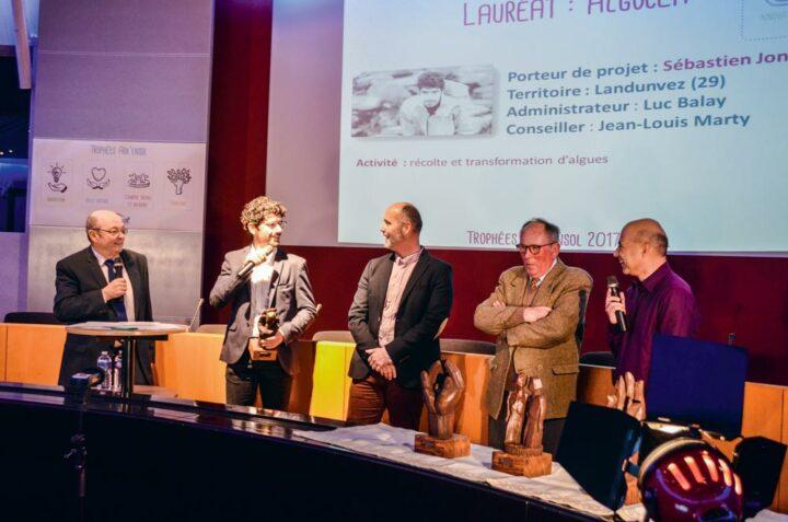 Sébastien Jonas a remporté, en 2017, le premier prix des Trophées Ark'ensol (association des solidarités du Crédit Mutuel Arkéa), dans la catégorie Innovation.
