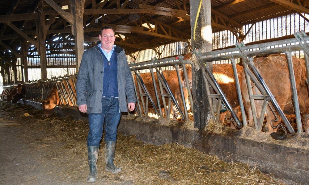 Suite à leur assemblée générale, les adhérents du syndicat Limousin 35 ont visité l'exploitation de Benoît Bellier, à Rannée.