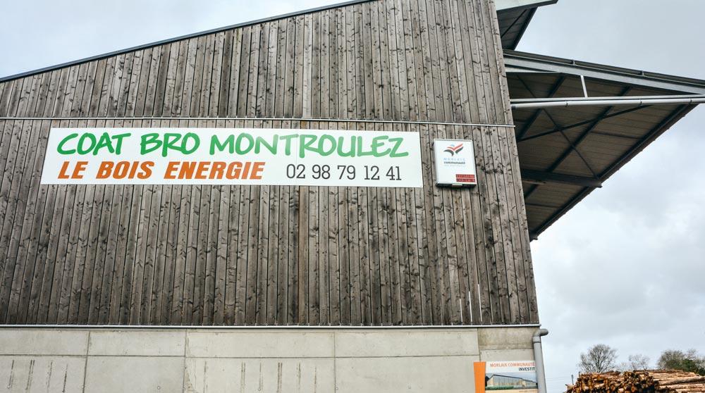 Coat Bro Montroulez gère de façon durable le bocage. Le bois est la 1re source d'énergie renouvelable en Bretagne.