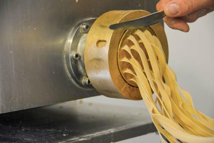 Des tagliatelles, des spaghettis, des macaronis… les formes sont diverses.