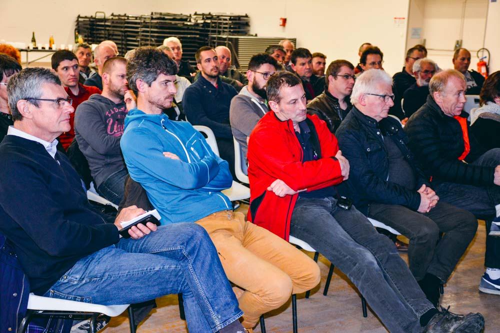 Les éleveurs étaient nombreux à l'assemblée générale de l'association pour la construction de l'abattoir du Morbihan, lundi 18 mars à Saint-Jean Brévelay.