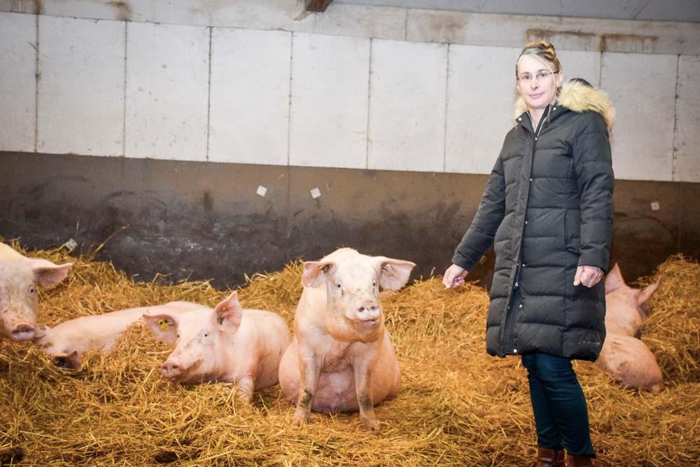 Véronique Letort, éleveuse de porcs à Eréac.
